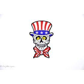 Ecusson tête de mort avec un noeud et un chapeau américain - Blanc - Thermocollant