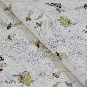 """Tissu coton motif Toile d'araignée et papillons """"The Gasthlies II"""" - Blanc et nude - Henry Alexander ®"""