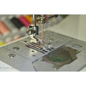 Pied de biche machine à coudre  fermeture éclair et passepoil pour support 2mm et oblique