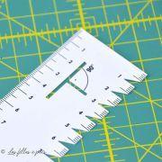 Réglette pour plis et ourlets en plastique  - 2