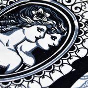 """Tissu coton motif plume et tête de mort """"Haunted House"""" - Blanc et noir - Henry Alexander ® Alexander HENRY Fabrics ® - 2"""