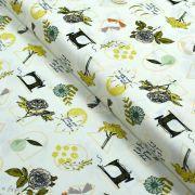 "Tissu coton motif MAC et couture ""Her et History"" - Ecru et vert - Oekotex ® - AGF ®"