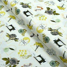"Tissu coton motif MAC et couture ""Her et History"" - Ecru et vert - Oekotex ® - AGF ® Art Gallery Fabrics ® - Tissus - 1"