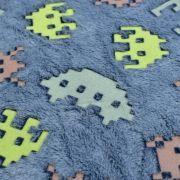 """Tissu minky néon phosphorescent double face motif robot esprit """"Space Invaders"""" - Gris - Oeko-Tex ® Autres marques - 5"""