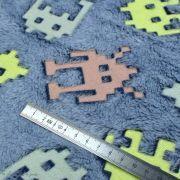 """Tissu minky néon phosphorescent double face motif robot esprit """"Space Invaders"""" - Gris - Oeko-Tex ® Autres marques - 8"""