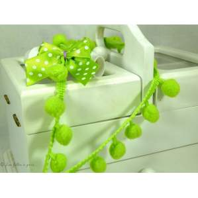 Galon pompons vert anis 10mm