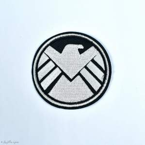 "Écusson The Shield d'Avengers ""Marvel"" - Blanc et noir - Thermocollant - 1"