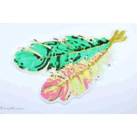 Ecusson sequin plumes - Vert et rose - Thermocollant