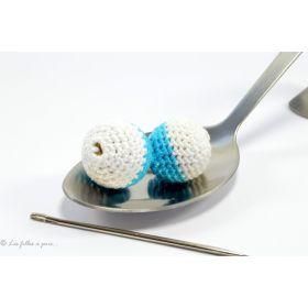Perle crochetée faite main bicolore blanc et bleu